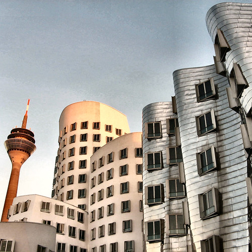 Gehry, Medienhafen, Duesseldorf | by Frizztext