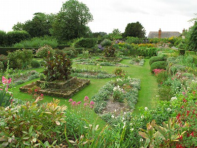 The Manor House,Upton Grey | Rose Lawn | rockcake | Flickr