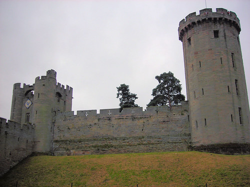 Gatehouse and Guy's Tower, Warwick Castle, England. | by Jim Linwood