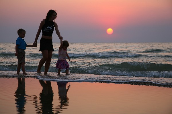 Mother With Children Ashore On Sunset Mother With Children Flickr