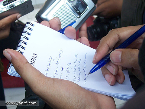 Journalists on duty | by Yan Arief