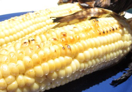 Grilled Corn on the Cob | by Cuponeando