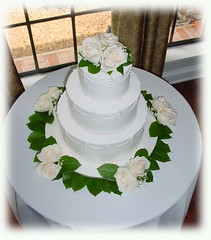 Swags with Lemon Leaves and Roses | by cakesbyashley