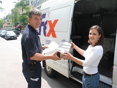 das paket geht mit fedex auf die reise nach usa heute as flickr. Black Bedroom Furniture Sets. Home Design Ideas