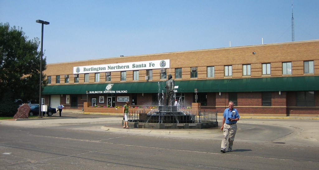 Havre montana train station grant flickr touringcyclist havre montana train station by touringcyclist sciox Choice Image
