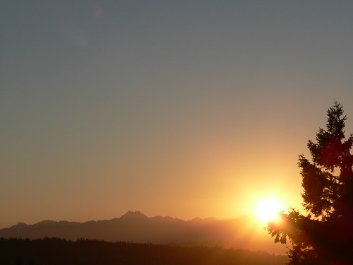 Olympic Mountain Range Summer 2007 Sunset, Phinney Ridge | by bwminseattle