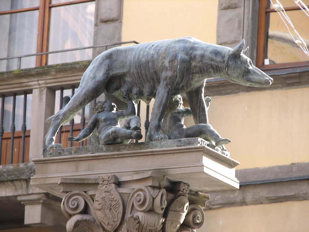 remus and romulus statue in siena italy according to lege flickr