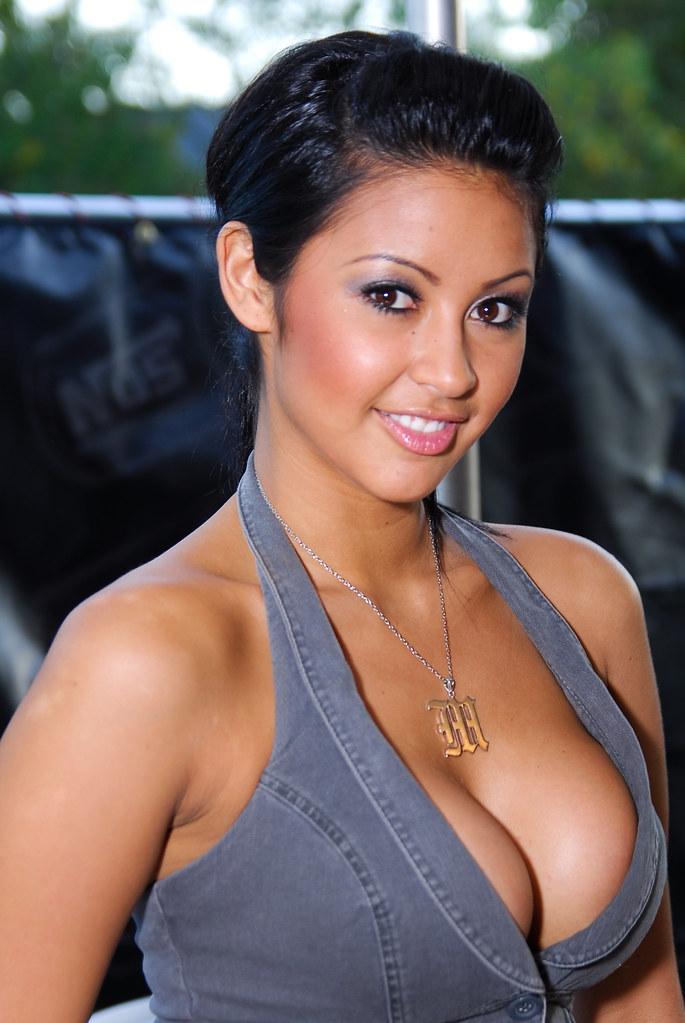 hot-asian-import-models-pics-too-young-bikini