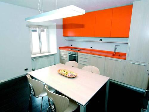 Arredamento su misura dell 39 appartamento di un giovane sing for Un aiuola dell appartamento