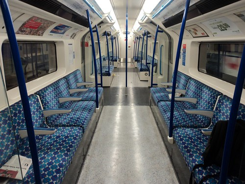 Momentarily alone (again) on the Victoria line | by J@ck!