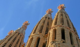 Sagrada Familia in Barcelona | by Andrew E. Larsen