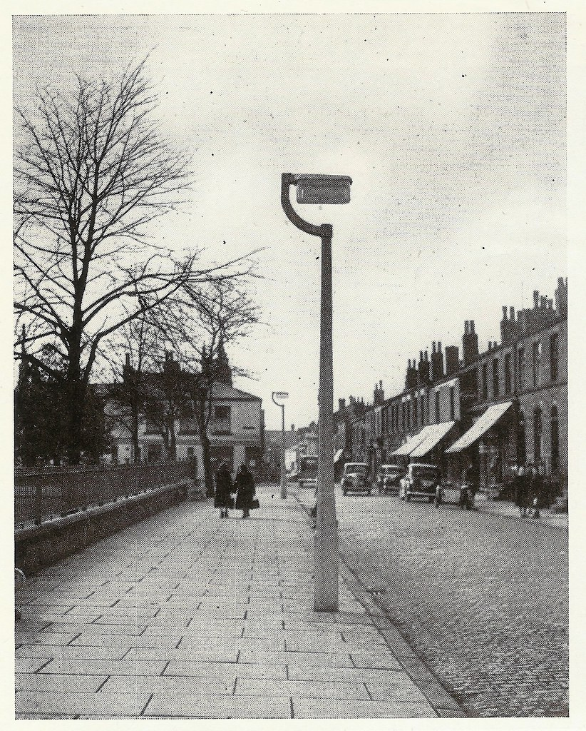 ... GEC street lighting 1951- fluorescent lantern in Chorley Lancashire | by mikeyashworth & GEC street lighting 1951- fluorescent lantern in Chorley u2026 | Flickr