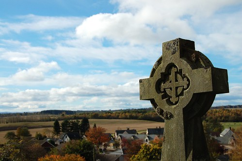 Cross on the Hill | by monkeyiron