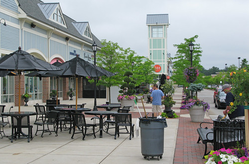 Derby Street Shoppes Outdoor Restaurant Seating | by NNECAPA