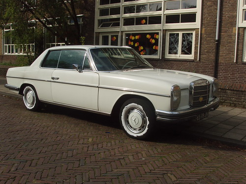 MERCEDES BENZ 250 C | by renault19872000