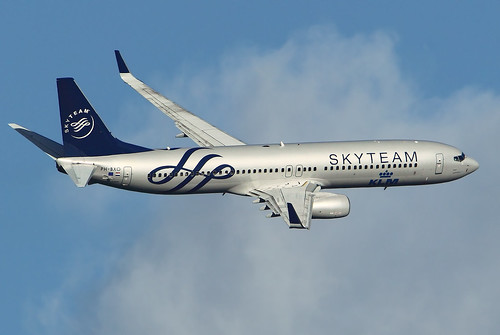 PH-BXO KLM 737-900 Skyteam banking away after taking off from EHAM Amsterdam Schiphol Airport | by nustyR AirTeamImages
