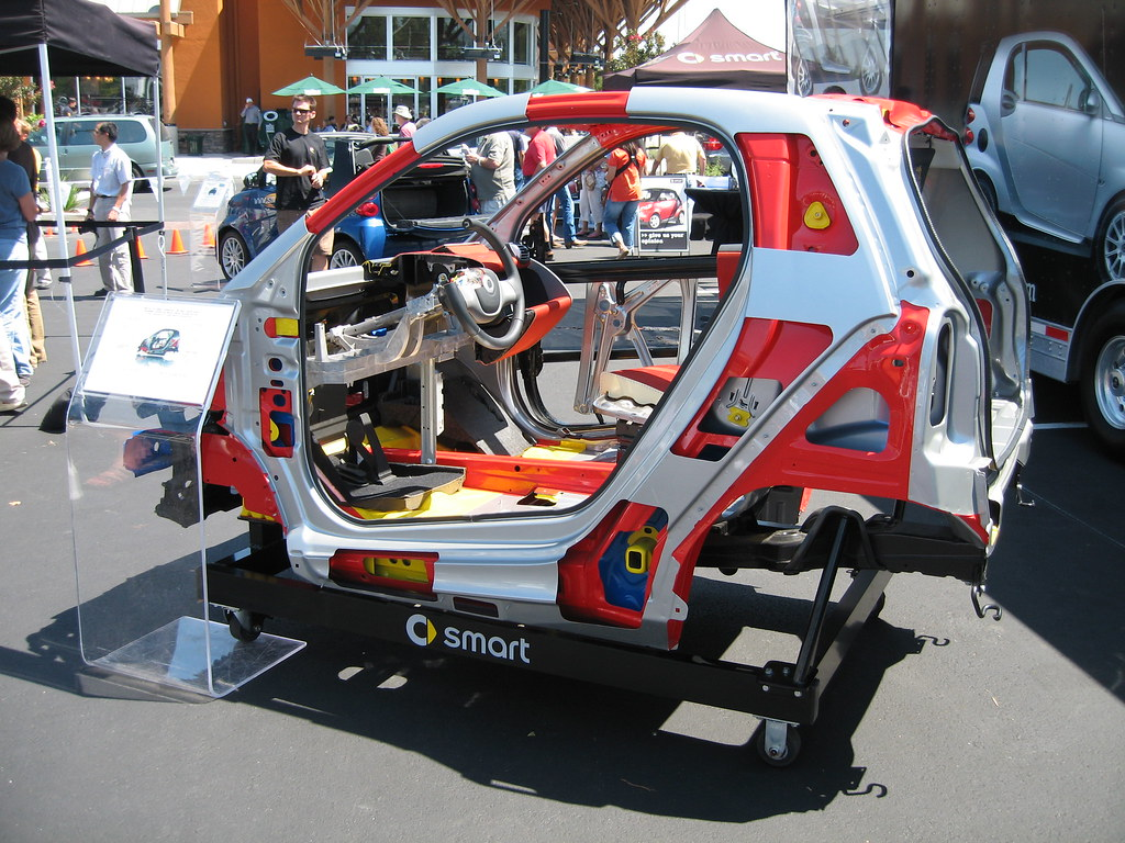 Smart Fortwo Coupe cutaway frame | Tom Donohue | Flickr