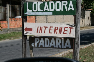 Onde fica a internet?  ~  Where is the internet? | by violinha