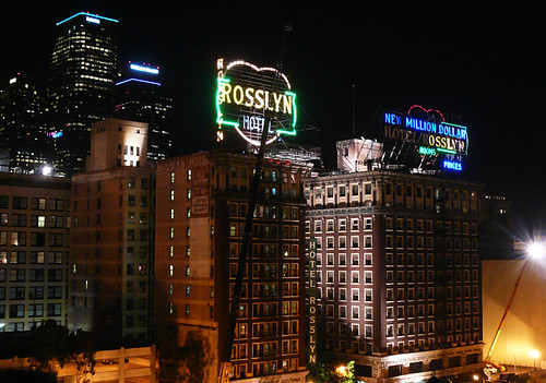 Los angeles hotel rosslyn filming film crew on the top for Cat hotels los angeles