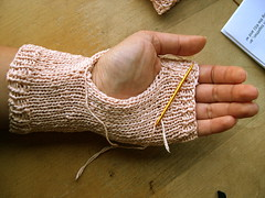 Watch the thumbhole get smaller | by zolekkermama