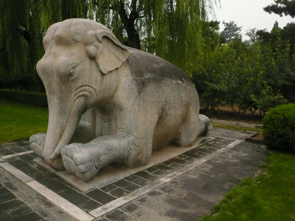Elephant statue, emperor\'s statue garden, Beijing, China 2… | Flickr