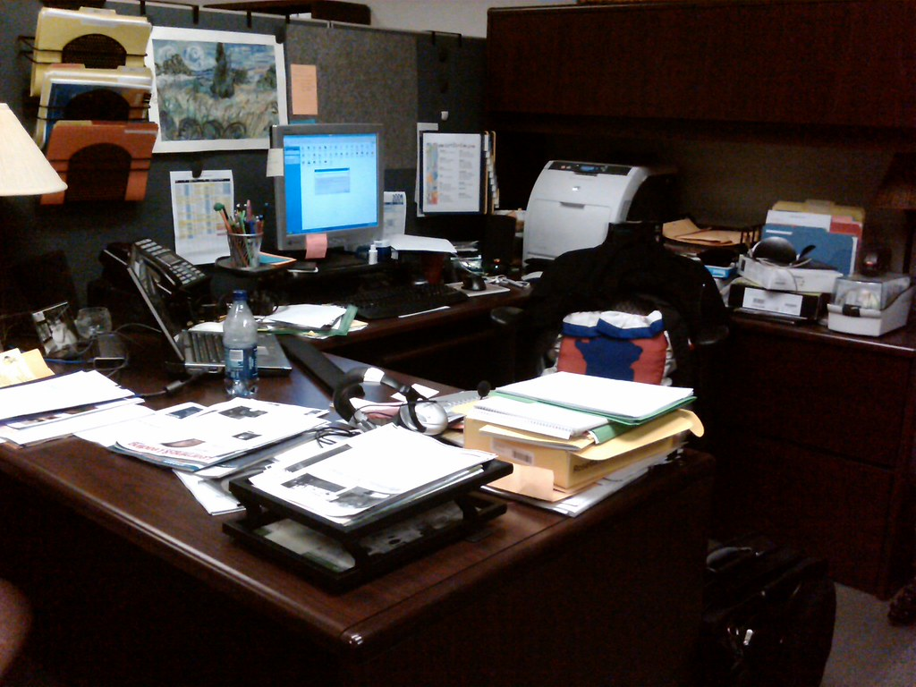 My Cluttered Office! - Day 1-1/6/09
