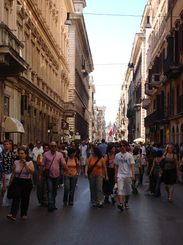 Via del corso rome sergio calleja life is a trip for Bershka roma via del corso