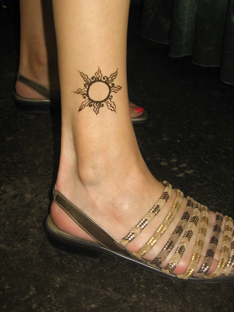 Health Expo Sun Ankle Flash Design Henna Done By Me At Ric Flickr