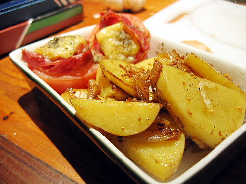 Roasted Tomato with Gruyere Cheese and Potatoes | Roasted ...