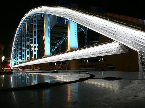 Illuminated Kaiunbashi (Better-Fortune Bridge)