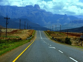 Approaching Drakensberg, SA | by eetee2007 (300K, I thought I´d never make it.)