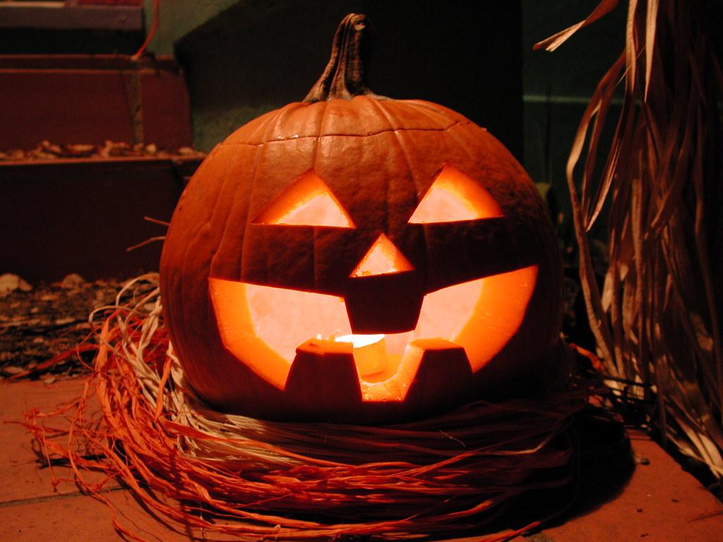 jack-o-lantern | it became a kicked-down-the-street pumkin, … | flickr