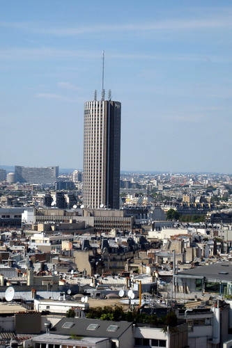 Paris Hotel Near Shopping Area