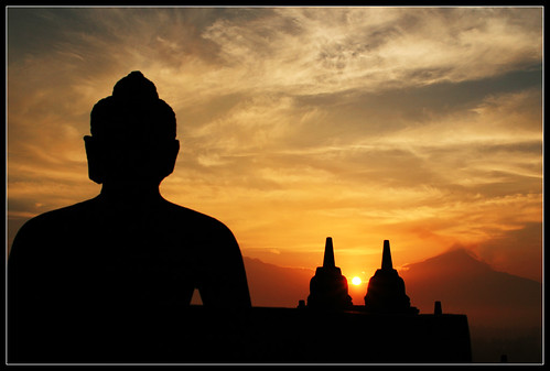 Borobudur sunrise | by M3R