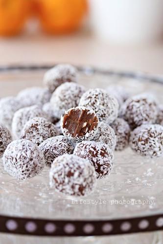 White Chocolate Coconut Mud Cake Recipe