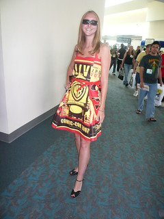 Crafty remix of the giant WB bag -- a dress! ComicCon 2007, San Diego, CA.jpg | by gruntzooki