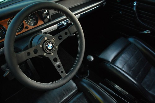 bmw 2002 interior prototipo wheel bmw horn button than flickr. Black Bedroom Furniture Sets. Home Design Ideas