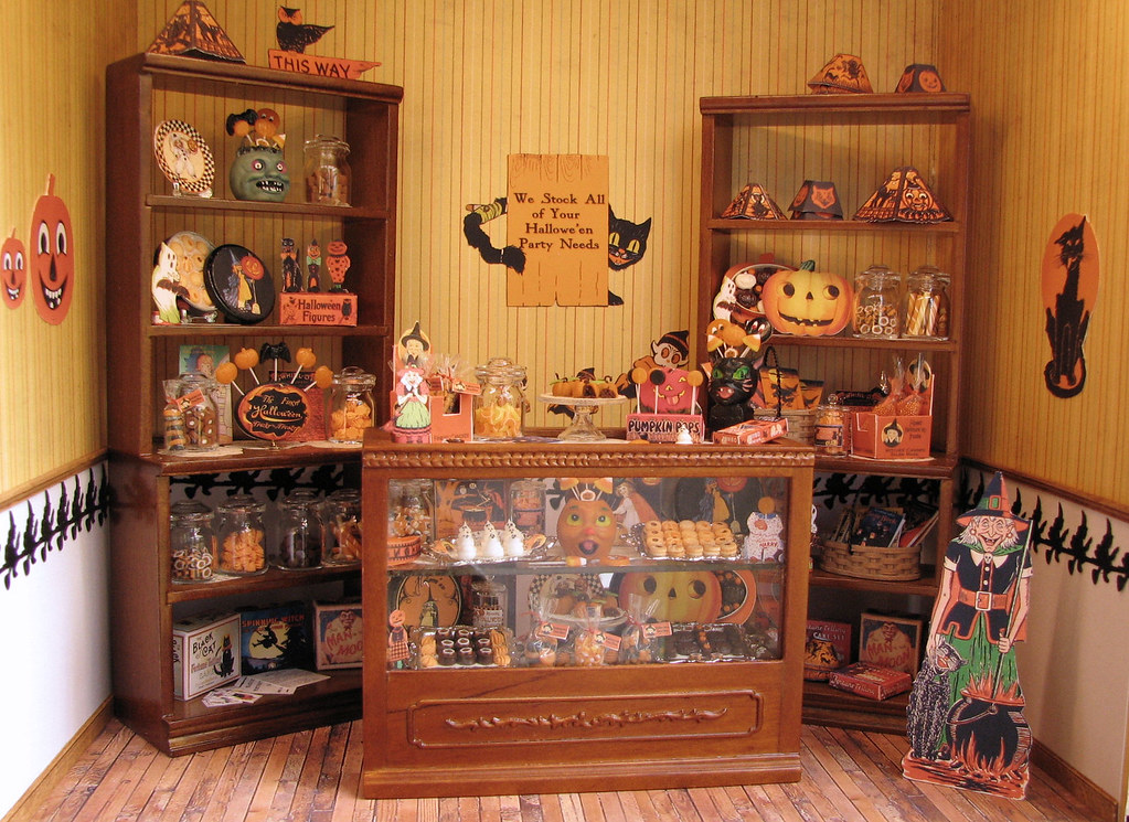 12th scale roombox - Halloween shop | This is for the IGMA E… | Flickr