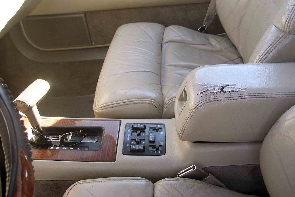 1992 Cadillac Eldorado TC Center Console