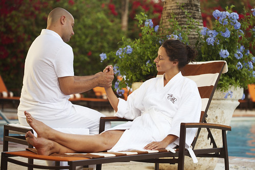 Poolside Hand Ritual by The Palms Spa | by thepalmshotel