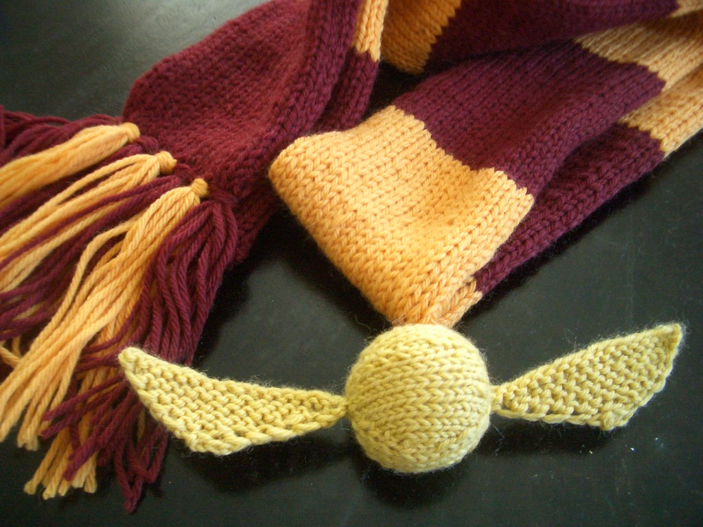 Harry Potter Scarf & Golden Snitch | Snitch pattern is my ow… | Flickr