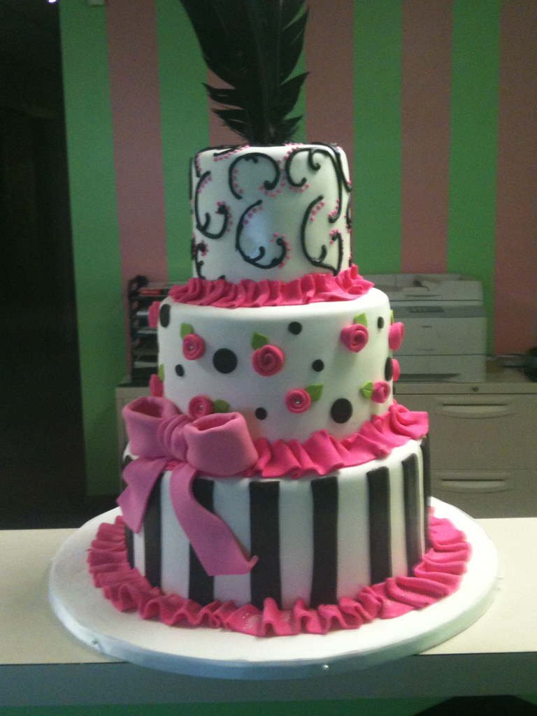 Pink And Black Baby Shower Cake Leah Flickr