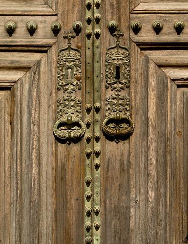 how to get a locked door in unturned
