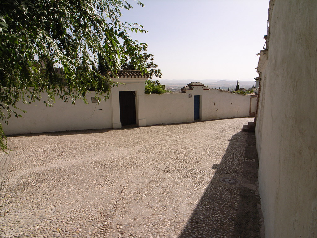 R0011664   In the Albaicín, the moorish quarter of Granada    Lars