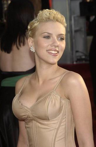 Scarlett-Johansson-topless-3 | Hollywood reporter | Flickr