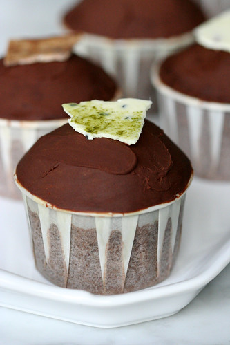 dark chocolate truffle cupcakes | by chockylit