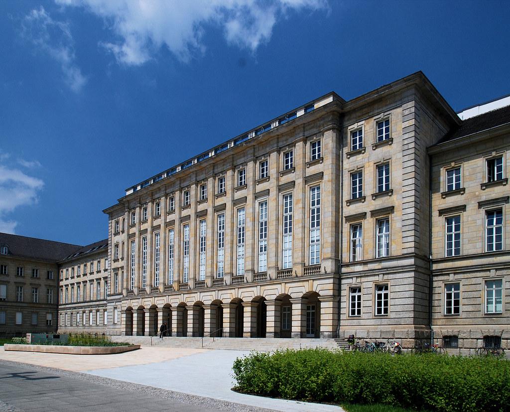 Risultati immagini per Ernst-Reuter-Haus