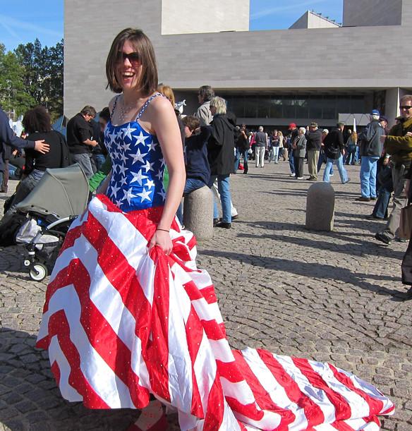 American flag gown | Mark Lindamood | Flickr