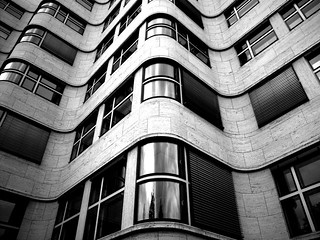 BW_new-wave_building | by lostmodern.net