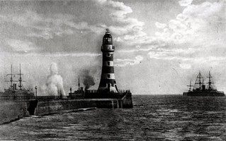North Pier Lighthouse 1903 | by Sunderland Public Libraries